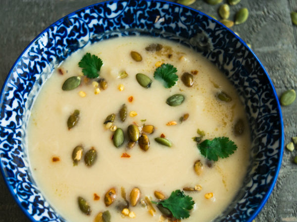 Creamless cauliflower soup with toasted pumpkin seeds