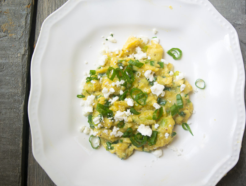 Soft scrambled eggs with green onion & chili