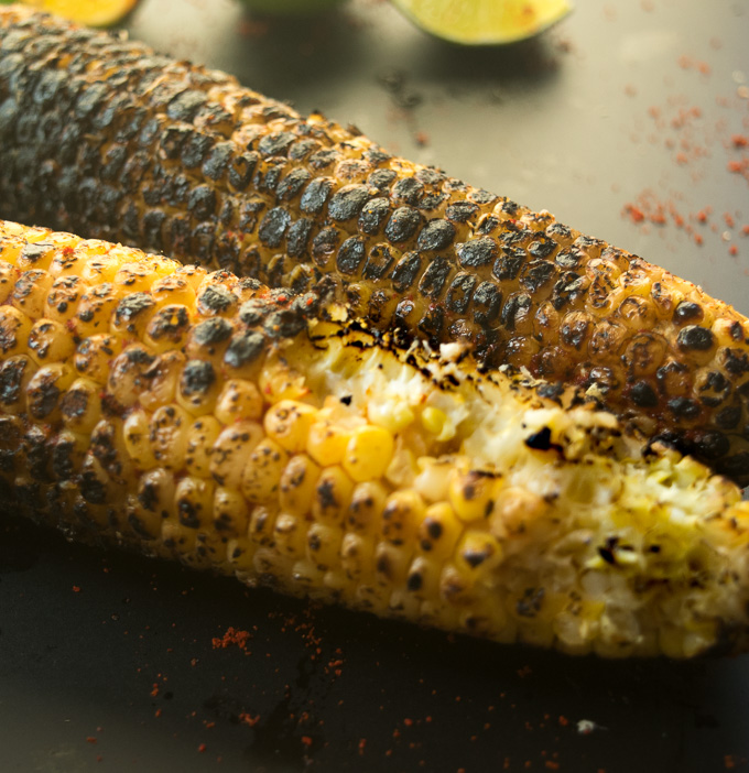 Grilled corn on the cob (Indian street style)--Simple, tangy, spicy, and salty grilled corn! |www.cookeatlaugh.com