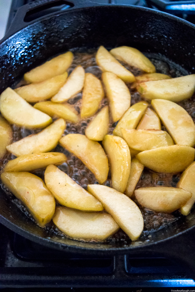 Caramelized apple French toast – Delicious French toast topped with buttery caramelized apples! |www.cookeatlaugh.com--10
